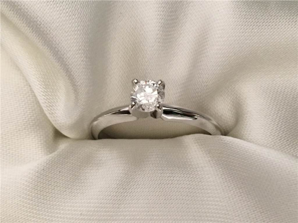 1/3 Ct twt, 14k Rose Gold Diamond Engagement Ring. containing One 0.33 Ct  Color: F Clarity: I2