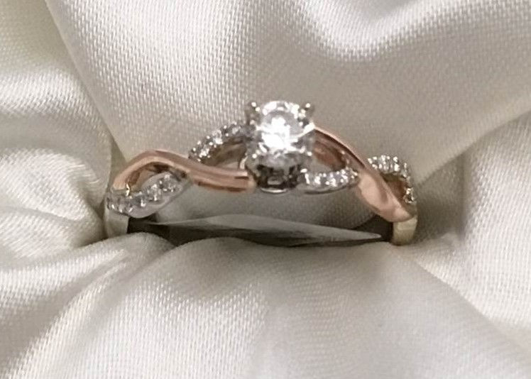 Diamond 14k Rose & White  Gold Semi-Mount Engagement Ring This Ring will accommodate a 5mm or 1/2 Ct Round Stone This Set Containins 1/10 twt of Diamonds