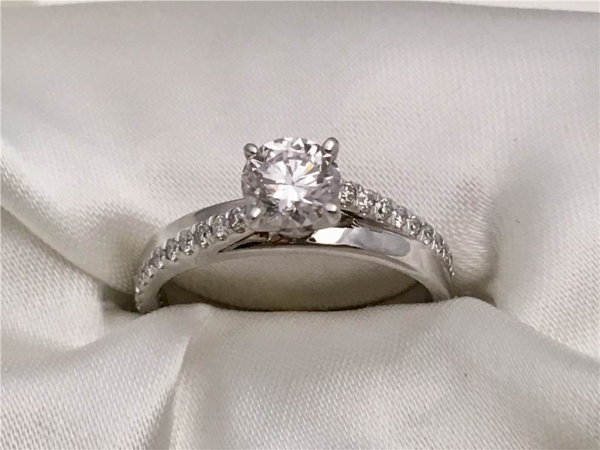 "1.00 Ct twt, 14k White Gold ""Grown Above Earth"" Diamond Engagement Ring  containing 0.72 Ct Round Diamond Color: G Clarity: SI1  1.03 twt of Diamonds"