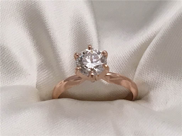 1.00 Ct, 14k Rose Gold Lab Grown Round Diamond Solitaire  containing One Round Lab Grown White Diamond 1.01C, t Color H,  Clarity SI1