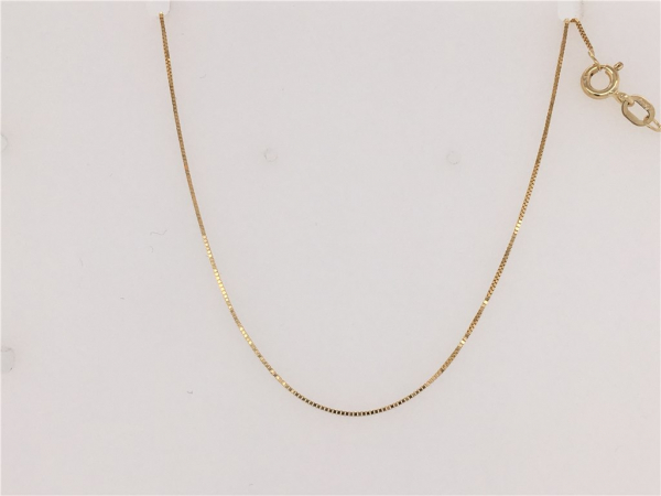 Gold Chain by Leslie